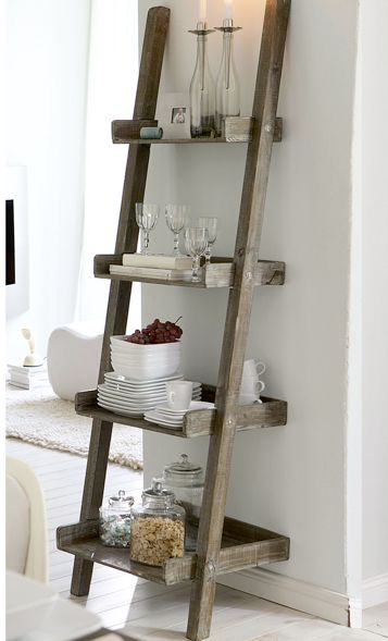 Лестница-стеллаж на кухне